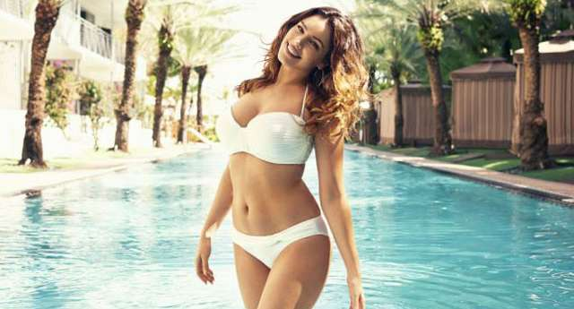 Kelly Brook ile 1950'lere Dönüş