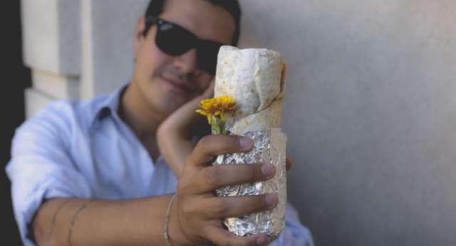 Burrito'yla Nişanlandı